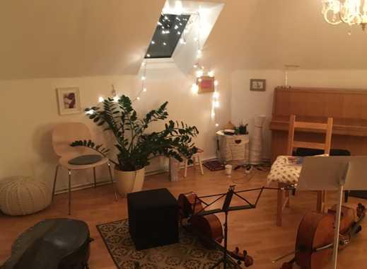 Zentral gelegene Wohnung mit schallisoliertem (Übe-)Raum