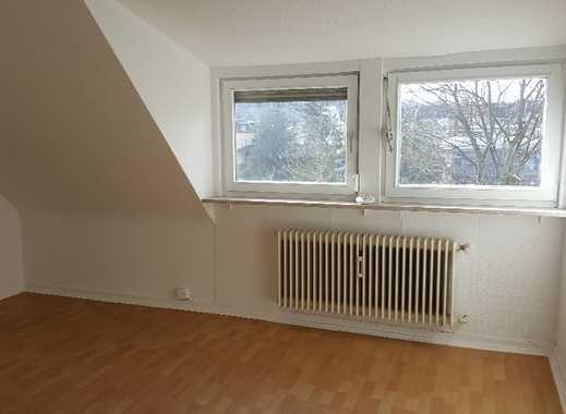 Nachmieter für schöne 3-Zimmer-Dachgeschosswohnung in Alt-SB gesucht!