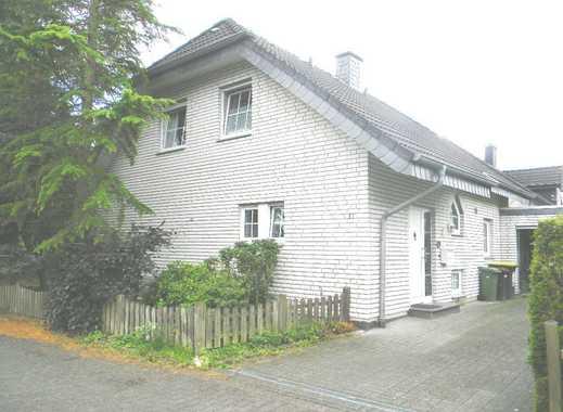 Ansprechendes Wohnhaus (1-Familienhaus) mit Garage und Vollkeller