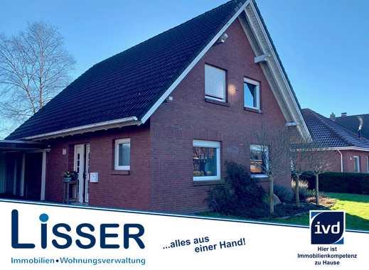 Schönes sehr gepflegtes Einfamilienhaus mit Carport und fantastischer Sicht ins Grüne!