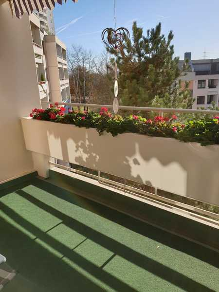 Schöne 4,5 -Zimmer-Wohnung mit Balkon, EBK und 1 Stellplatz  in Mainaschaff in Mainaschaff
