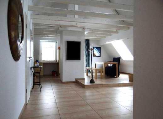 Logenplatz in Haarzopfs Lieblingslage! 2½-Raum-Dachgeschoss-Wohnung mit Garage und Einbauküche