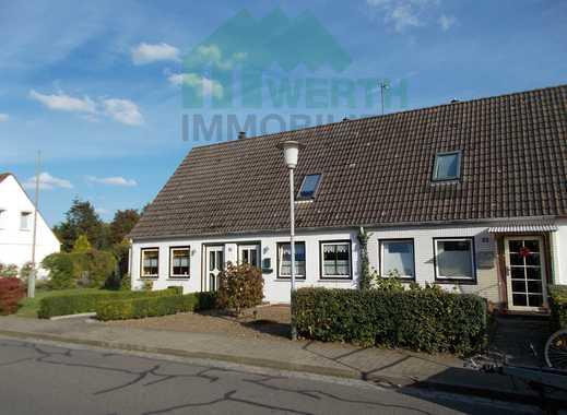 Mehrfamilienhaus mit 2 Wohneinheiten bei Heide - sanierungsbedürftig!