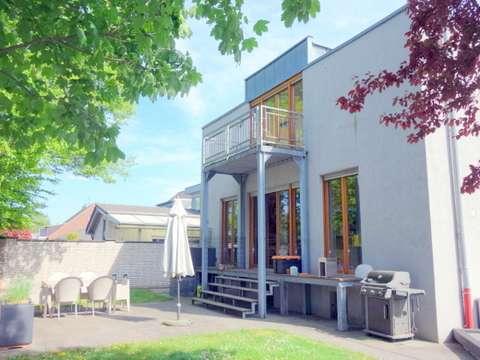 CHIC - MODERN - INDIVIDUELL- Freistehendes Einfamilienhaus ...