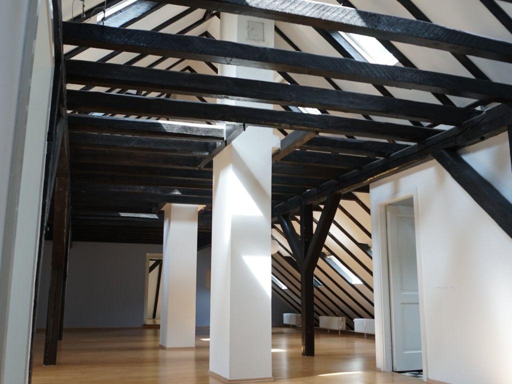 Großraumfläche, ca. 92 m²