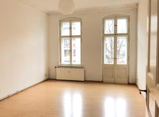 2-Zimmer Altbau mit 2 Balkonen !