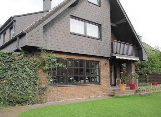 Großzügiges modernes Einfam.- Haus, Bj. 89, mit ca. 280 m² Wfl. + ca. 50 m² Nutzf., + 2 Garagen.