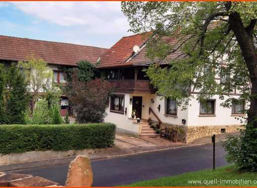 Provisionsfrei - großzügiges Wohnhaus mit Charme und 3 Garagen  in Kiesebach, zu verkaufen!