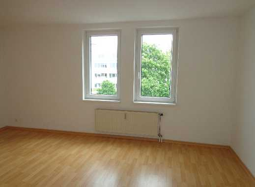 ***Großzügige und helle 4-Zi. Wohnung mit Balkon***
