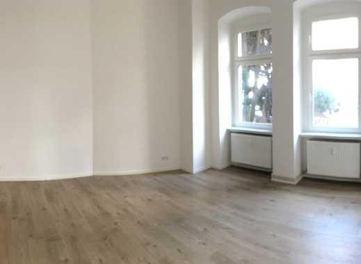*Altbauwohnung* frisch und umfasssend renoviert *zentrale ruhige Lage*