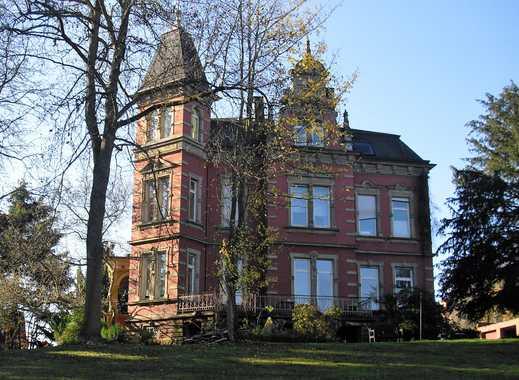 Wohnen in Gründerzeitvilla mit parkähnlichem Garten