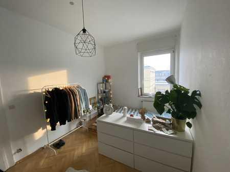 Schönes Altbau Zimmer mit toller Lage in Wg frei!  in Regensburg-Innenstadt