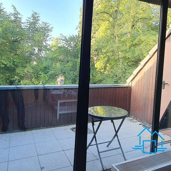 *** schöne 3-Zimmer-Wohnung mit Balkon in Aachen-Laurensberg ***