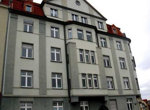 Schöne helle 2 Zi-Wohnung mit sep. Küche+Ebk, Laminat, Duschbad und Abst.raum im Stadtzentrum