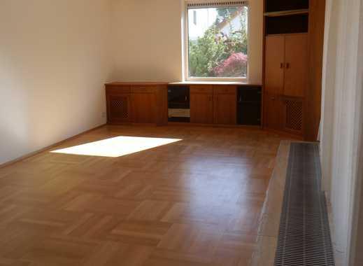 schöne, helle 4-Zimmer-EG-Wohnung mit großer Terrasse und Garten