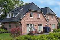Doppelhaushälfte versetzt gebaut in familienfreundlicher