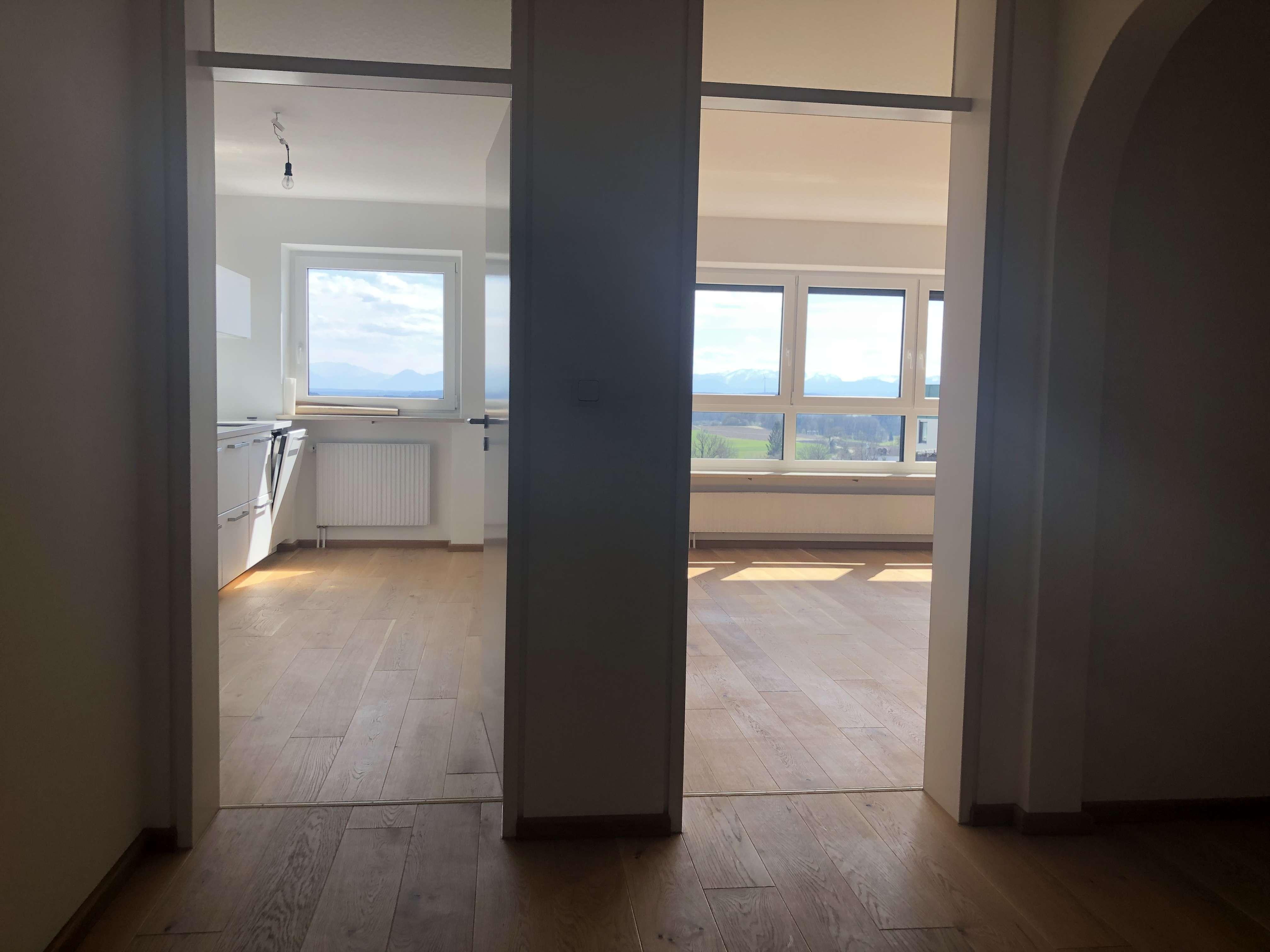 Traumhafte drei Zimmer Wohnung mit Alpenblick in Ebersberg (Kreis), Ebersberg
