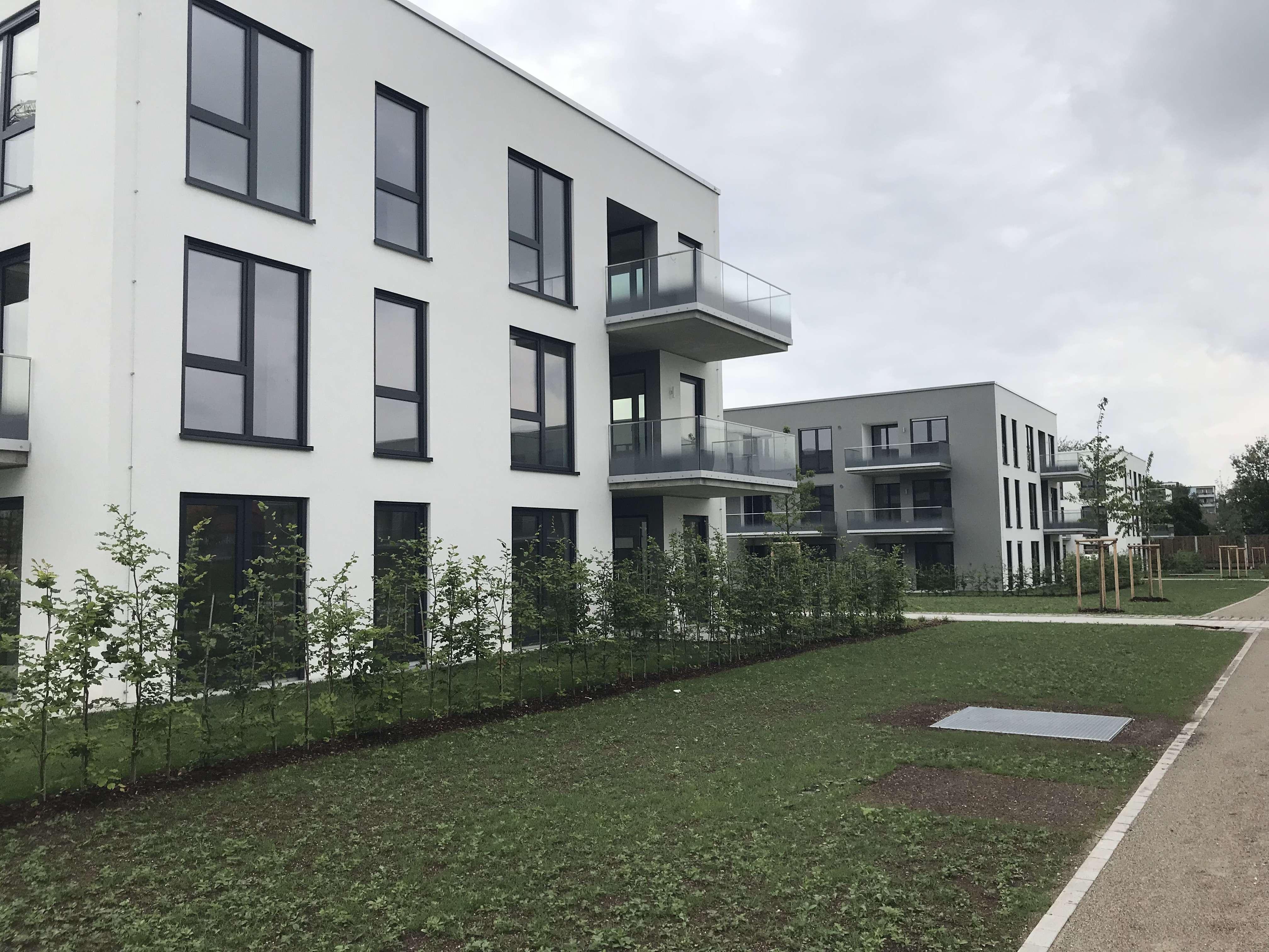 Attraktive 2-Zimmer-Dachgeschosswohnung mit Einbauküche und großen Balkon in München in Perlach (München)