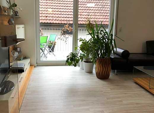 Helle Zwei-Zimmerwohnung mit Balkon und Carport