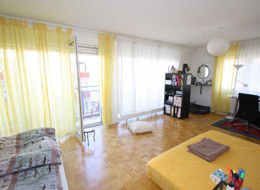 myHome-Immobilien / LICHTVERWÖHNTE 2,5 Zi-Wohnung im Penthouse Stil mit Parkett + EBK + Balkon