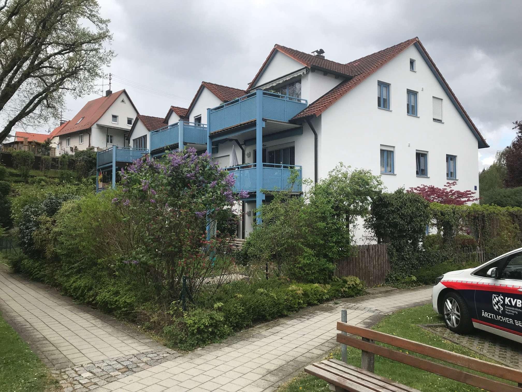 Helle Wohnung im Grünen // 1. OG, TG, Südbalkon