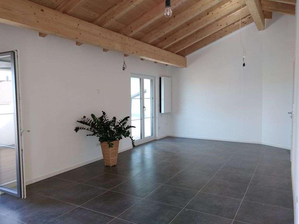 4-Zimmer Neubau Dachgeschosswohnung mit EBK und Terasse in Deggendorf
