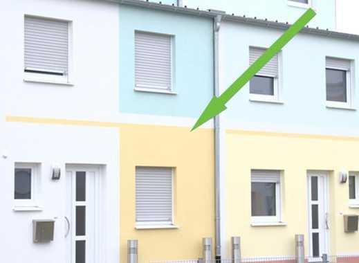 NEUBAU  ERSTBEZUG  Reihenmittelhaus mit fünf Zimmer in  Adelsdorf  ( Kreis Erlangen-Höchstadt )