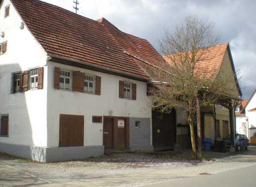 Ehemaliges Bauernhaus in der Ortsmitte von Owingen