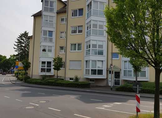 Helle 2 Zimmer Wohnung mit Erker und Balkon in zentraler Lage