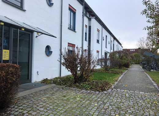 Toplage in Puchheim, gepflegte helle ruhige 2-Zimmer-Wohnung mit Terrasse, Einbauküche