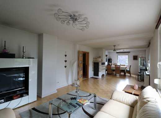 Saniertes Einfamilienhaus in Feldrandlage, 1.425m² Grundstück, mit Garage, Keller und Photovoltaik