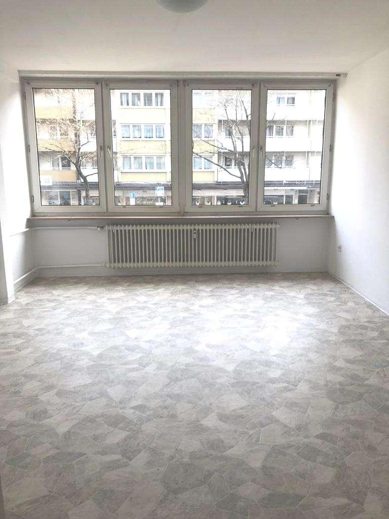 Bayreuther Straße ! Helle 1-ZW, ca. 26 qm , Laminat, 1.OG mit Aufzug in