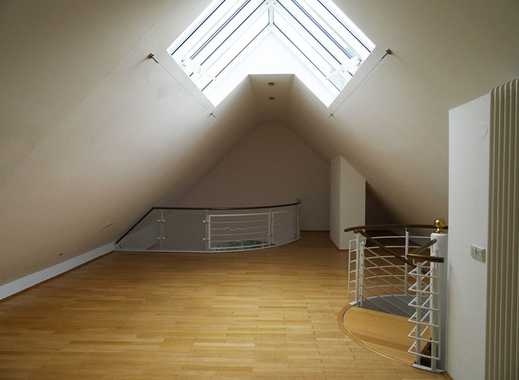 Sehr schöne Dachgeschoßwohnung! Parkett, Terrasse, Lift, WG Geeigntet!