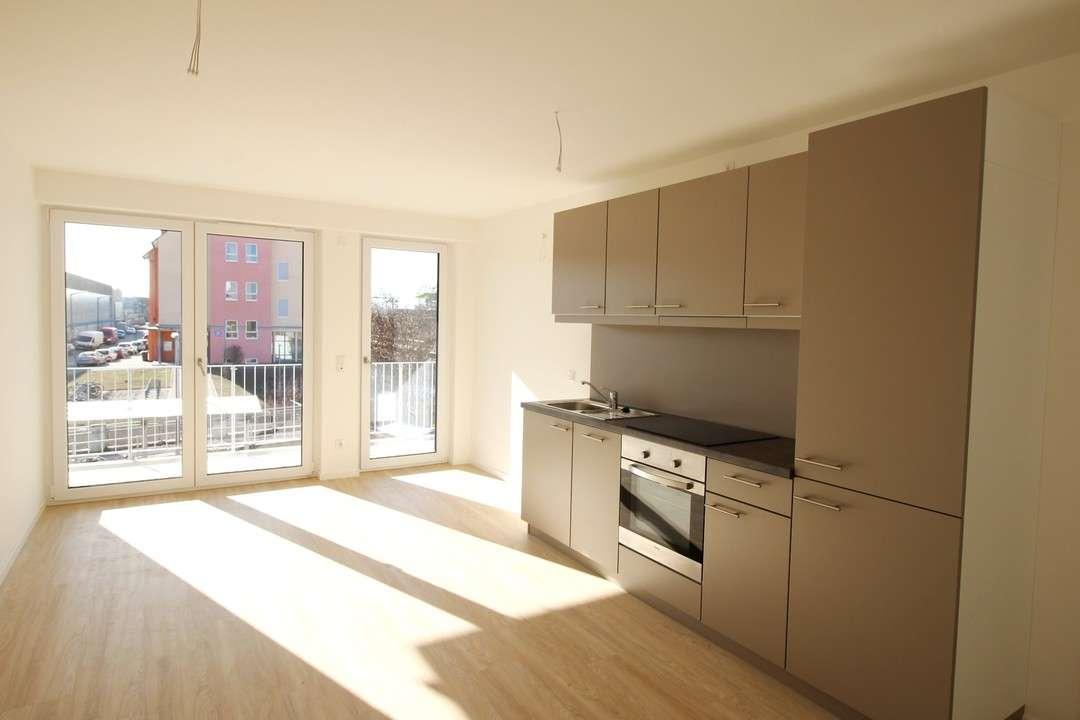 *Erstbezug - Moderne 2-Zimmer Wohnung mit Einbauküche und Balkon*