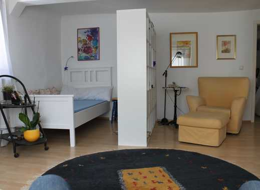 Vollständig renovierte 1,5-Zimmer-OG-Wohnung mit EBK in Idstein