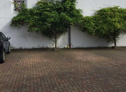 Schöne Wohnung im Grünen - mit Gartennutzung und Loggia