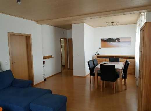 Gepflegte 2-Zimmer-Hochparterre-Wohnung mit Balkon und EBK in kottweiler-Schwanden