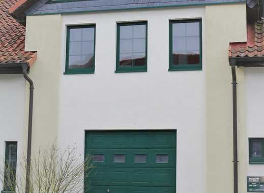 Großflächige Garage in saniertem Mehrfamilienhaus