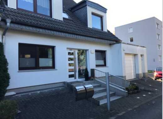 Maisonette Eigentumswohnung im Architektenhaus als Doppelhaushälfte in Privatweg - provisionsfrei!
