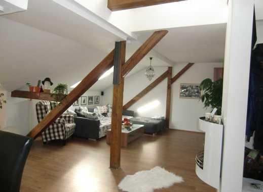 Traumhafte ca. 92qm, 3ZKB-DG-Wohnung (2 Schlafzimmer) mit rustikalen Balken, Balkon, Keller