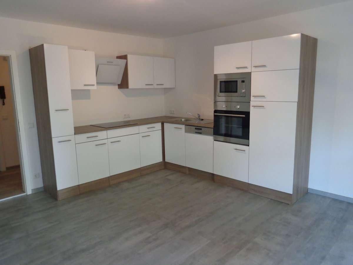 Schöne renovierte 3- Zimmer Wohnung in Regenstauf – Ortsteil Steinsberg