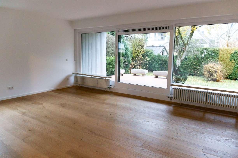 schöne renovierte Erdgeschosswohnung mit Terrasse und Gartenmitbenutzung in bester Lage in Harlaching (München)