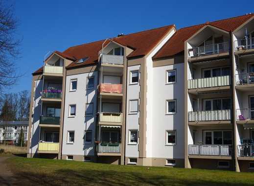 Schöne helle 3 Raumwohnung mit Balkon und Stellplatz