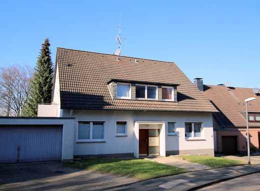 Frisch renovierte Zweiraumwohnung mit ca. 52 m² Wohnfläche, Balkon und Gemeinschaftsgarten