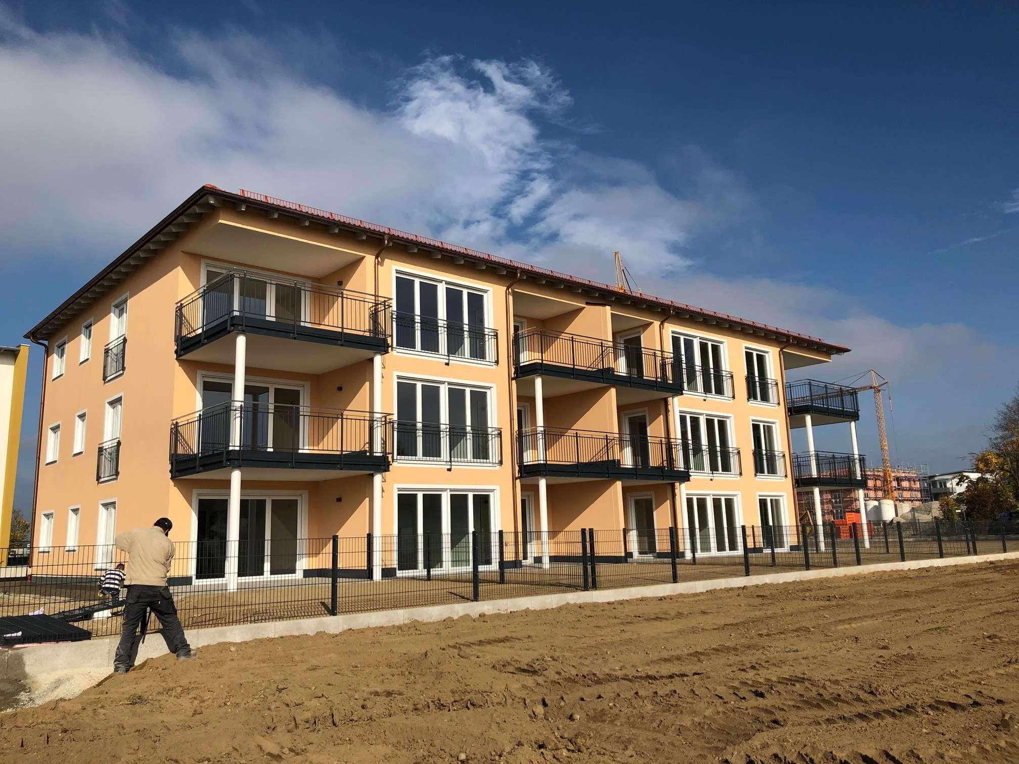 2 - Zimmer - Wohnung im Erdgeschoss und Vorgarten Erstbezug Januar 2020 in Mühldorf am Inn