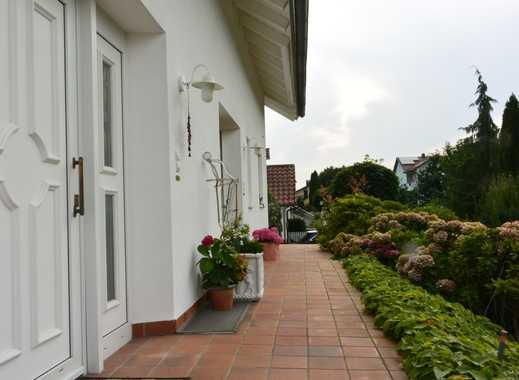 Gepflegte 3-Zimmer-Terrassenwohnung mit Balkon und EBK in Plattling