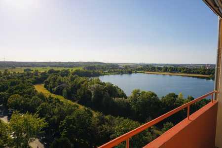 Wunderschöne, modernisierte 2-Zimmer-Wohnung mit Blick auf den See in Mainaschaff