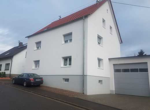 Modernisierte 3-Zimmer-Wohnung mit Balkon und Einbauküche in Heusweiler