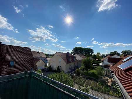Neuwertige 3-Raum-Dachgeschosswohnung mit Balkon und Einbauküche in Ingolstadt in Süd (Ingolstadt)