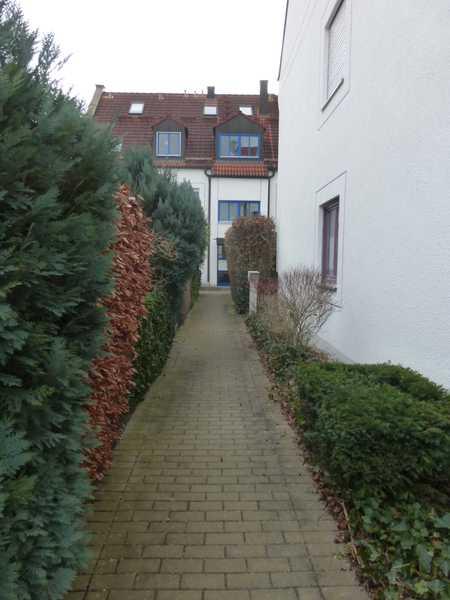 HAUNSTETTEN GARTENWOHNUNG IN RUHIGER LAGE, BARRIEREFREIER ZUGANG ZUR WOHNUNG in Haunstetten (Augsburg)